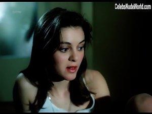 Eliska Rabas , Klara Hlouska - Lethal Target (1999) Scena